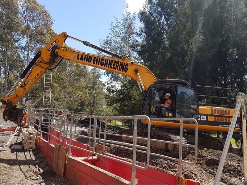02-land-engineering-maintenance-construction-Merri-Creek-Sewer-Rehabilitation